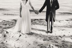 Boho wedding - Cap Ferret - French wedding style - La Paire de Cerise photographes - Jenny Morel Weddings wedding planner - bride and groom