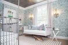 Que tal abandonar os azul e o rosa no quarto do bebê? Uma ótima ideia é apostar na temática selvagem e construir uma verdadeira floresta encantada!