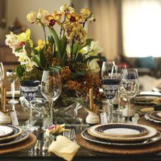 o estilo navy também é capaz de compor a mesa de forma simplesmente irresistível.Os clássicos azul marinho e branco foram ...