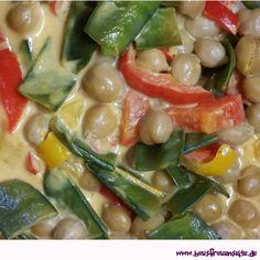 Curry mit Kichererbsen - Rezept  Kichererbsen Curry vegan mit Kokosmilch vegetarisch vegan laktosefrei glutenfrei Green Beans, Vegetables, Food, Chickpea Curry, Delicious Vegan Recipes, Glutenfree, Cooking, Veggie Food, Baked Goods