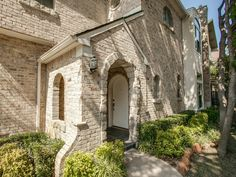 Greenville Avenue is steps from this pretty East Dallas townhouse