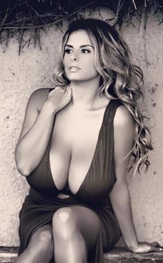 Photos and.videos of sexy mature women with big boobs