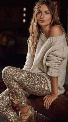 Lauren Ralph Lauren Modern Holiday @ Macy's - Off-the-shoulder Sweater + Gold Sequin Skinny Pants Christmas Party Outfits, Holiday Party Outfit, Christmas Outfit Women, Legging Outfits, Holiday Fashion, Autumn Winter Fashion, Style Fête, Fashion Vestidos, Casual Chique