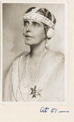 Headdress, Headpiece, History Of Romania, Romanian Royal Family, Art Deco Hair, Royal Tea, Royal Jewelry, Ancient Jewelry, European History