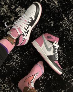 Sneakers – High Fashion For Men Jordan Shoes Girls, Girls Shoes, Sneakers Fashion, Fashion Shoes, Fashion Mask, Fashion Outfits, Fashion Tips, Aesthetic Shoes, Cute Sneakers
