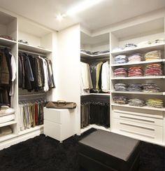 Veja as dicas para escolher e comprar um guarda-roupa planejado na sua casa. Entenda como os hábitos dos moradores influencia na escolha.