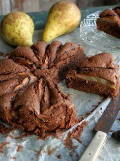 Chocoladecake met peer - Chocolate Cake with pear by greendelicious #recept