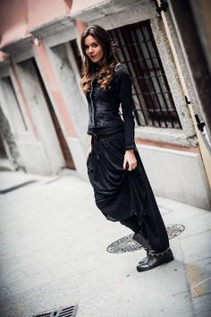 long skirt with biker boots from las lolitas to max mara thanks to godina shop -  Gonna lunga nera con stivali biker da las lolitas to max mara grazie a Godina  www.ireneccloset.com