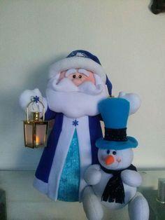 Santa y nieve Christmas Jars, Beaded Christmas Ornaments, Felt Christmas, Christmas Wishes, Winter Christmas, Christmas Holidays, Christmas Decorations, Felt Crafts, Easter Crafts