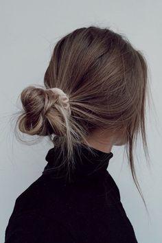 Messy Hairstyles, Pretty Hairstyles, Bun Hairstyle, Casual Hairstyles, Everyday Hairstyles, Straight Hairstyles, Hair Inspo, Hair Inspiration, Hair Streaks