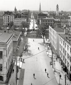 "Savannah, Georgia, circa 1901. ""Bull Street."