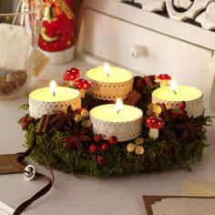 Kaffee, heiße Schokolade oder einen warmen Tee bei Adventskerzen schlürfen, ist eine schöne Angelegenheit und mit Familie und Freunden ein Teil der besinnlichen Jahreszeit...