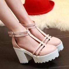 Peep Toe Buckle Cut-outs Platform Sandal