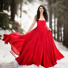 Fashion Photography Red Dress Gowns 46 Ideas For 2019 Red Wedding Dresses, Grad Dresses, Red Gowns, Satin Dresses, Snow Dress, Dress Up, Fashion Model Poses, Elegant Bride, Elegant Lady