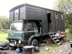Jo's Old TK Horse Box :: Traveller Homes