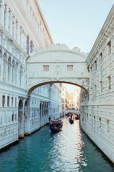 Puente de los Suspiro. Venecia, Italia