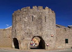 Town wall turret - Tenby Cymru, Great Britain, Wales, Mount Rushmore, Celtic, Mountains, Travel, Viajes, Trips