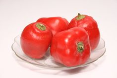 From Perú, the hot and delicious Rocoto! (photo: Author: Sebastian Aguilar (Creative Commons Attribution ShareAlike))