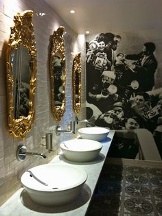 Bathroom Scandic Grandic Central-Love the room and the quirky wallpaper