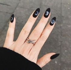 The advantage of the gel is that it allows you to enjoy your French manicure for a long time. There are four different ways to make a French manicure on gel nails. Gradient Nails, Holographic Nails, Stiletto Nails, Coffin Nails, Acrylic Nails, 3d Nails, Rose Gold Nails, White Nails, Black Sparkle Nails