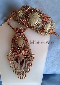 "InKetten: Bead Embroidery, ""Agate"" - Pendant"