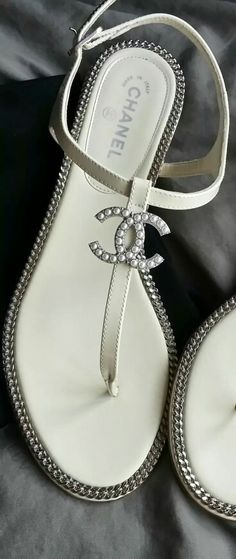 Chanel white chain sandals #shoes @JenniferW