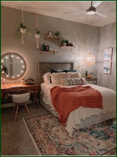 Beautiful Teenage Girl Bedroom Decor Ideas To Make More Fun … - Zimmereinrichtung Teenage Girl Bedroom Decor, Room Ideas Bedroom, Home Bedroom, Modern Bedroom, Bedroom Designs, Bedroom Inspo, Quirky Bedroom, Bedroom Wall, Bedroom Rugs
