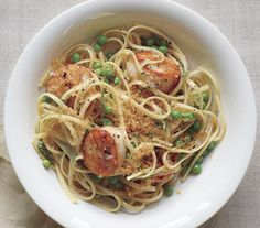 20-Minute Linguine With Scallops, Brown Butter, and Peas recipe