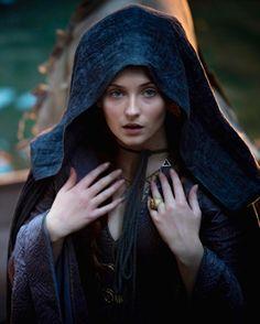 Sophie Turner as Sansa Stark in Game of Thrones (TV Series, 2015).