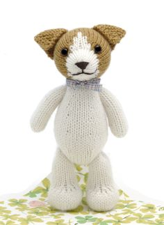A fun and easy pattern for an adorable toy. All pieces are knit flat and then seamed. Skills required include stockinette stitch, garter stitch, increasing, decreasing, intarsia, sewing seams. Finished toy is 20 cm (8) tall. Materials 25 g of DK weight yarn in white (MC), 15 g of DK