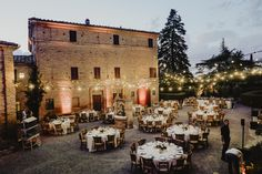 An amazing wedding in the heart of the Tuscan hills planned by VB Events Wedding Locations, Wedding Events, Luxury Wedding, Event Planning, Table Settings, Italy, Mood, Table Decorations, Heart