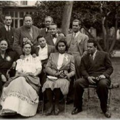 Marian Anderson with fellow artists Frida Kahlo, Diego Rivera, Miguel Covarrubias, Rosa Covarrubias, Ernesto de Quesada and others in Mexico, 1943.