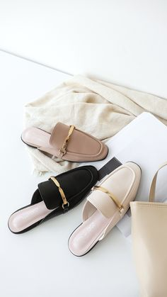 Mules Shoes, Women's Mules, Shoes Sandals, Buy Shoes, Me Too Shoes, Fall Winter Shoes, Narrow Shoes, Cute Slippers, Sneaker Heels