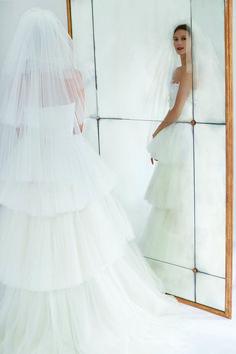 Carolina Herrera Bridal, Fall 2018, Bridal Collection, Veil, Wedding Dresses, Fashion, Civil Ceremony, Dress Collection, Boyfriends