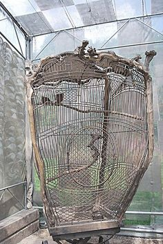 wow...what a unrestrained fancy of a birdcage...so love...