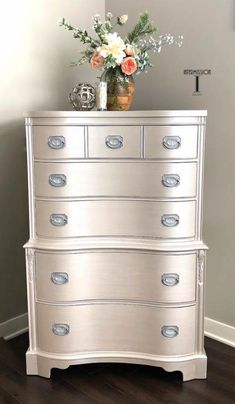 Wow check out this interesting diy furniture makeover - what an artistic conception Metallic Painted Furniture, Painted Bedroom Furniture, Refurbished Furniture, Repurposed Furniture, Bedroom Decor, Taupe Bedroom, Silver Bedroom, Bedroom Furniture Makeover, Modern Bedroom