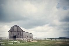 awesome barns and artistic vendors for weddings in Wisconsin