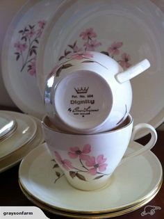 Rare Crown Lynn Dignity pattern - very pretty Everyday Dishes, Kiwi, Flatware, Pots, Tea Cups, Porcelain, Pottery, Crown, Retro