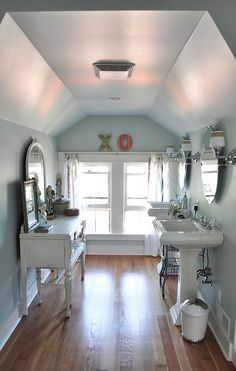 Kelly Rae Robert's bathroom. Seriously, is there anything that this lady can't do!!???