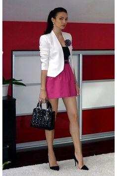Ivory zara blazer - black dior bag - hot pink zara skirt change the shoes tho. I Love Fashion, Trendy Fashion, Runway Fashion, Fashion Outfits, Pinker Rock, Rosa Rock, Spring Summer Fashion, Autumn Fashion, Hot Pink Skirt