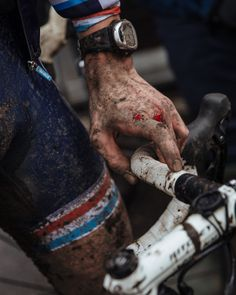 Emily Maye shoots the Cyclocross World Championship 2014 for Rapha | CycleLove