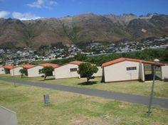 Hendon Park Resort in Gordon's Bay is located on Faure Marine Drive between the Gordon's Bay Main Beach and Harbour Island. Park Resorts, Holiday Destinations, Places To Visit, Outdoor Structures, Island, Beach, The Beach, Places To Travel, Islands