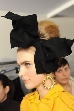 major black hair bow