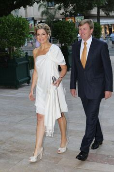Estilo Real, Royal Clothing, Queen Maxima, Formal Evening Dresses, Royal Fashion, Pretty Outfits, Dress To Impress, White Dress, Gowns