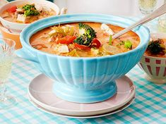 Hähnchen-Kokos-Suppe Our favorite recipe for chicken and coconut soup and over more free recipes on LECKER. Chicken Coconut Soup, Coconut Soup Recipes, Quick Soup Recipes, Fall Soup Recipes, Slow Cooker Soup Vegetarian, Healthy Soup Vegetarian, Easy Vegetable Soup, Clean Eating Soup, Desserts