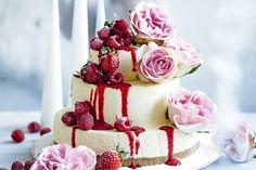 The world of weddings is giving permission to forego the overpriced cake in favor of something more creative, more personal and perhaps in theme with the venue, here are a few fabulous ideas!    #weddingcakeideas #alternativeweddingcake #backyardweddings