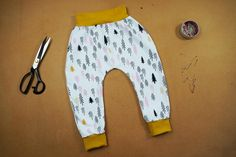 Baby Clothes Patterns, Clothing Patterns, Sewing Patterns, Textiles, Diy Clothes, Sweatpants, Creative, Swimwear, Dolls