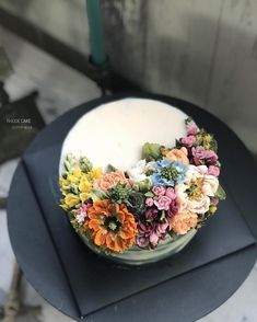 . - - ▫️연구반 네번째 수업 (수강생 작품) ▫️복습과 마무리 - - #앙금플라워 #플라워케이크 #플라워케이크클래스 #꽃케이크 #로데케이크 #오페라케이크 #떡케이크 #koreanflowercake #flowercake #flower…