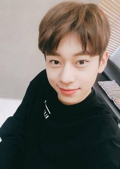 Why is he look so boyfriend material K Pop, Im Youngmin, Fraternal Twins, Dream Boyfriend, All Meme, Produce 101 Season 2, Korean Group, Now And Forever, Kim Dong