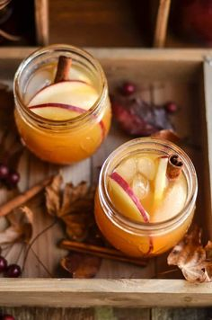 Apple Cider Ginger Beer Cocktail Enjoy the crisp flavors of fall with this tasty apple cider ginger beer cocktail! Spike with vodka and top with cinnamon sticks. So delicious! Great for autumn parties. – Cocktails and Pretty Drinks Easy Drink Recipes, Sangria Recipes, Beer Recipes, Cocktail Recipes, Fall Recipes, Holiday Recipes, Apple Cider Cocktail, Hot Apple Cider, Apple Cocktails